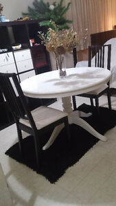 Dinning Extendable table