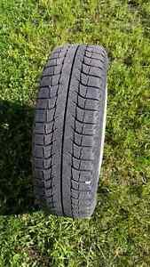 4 pneus hivers neufs avec mags aluminium
