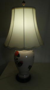JAPANESE VASE, TABLE LAMP with Shade