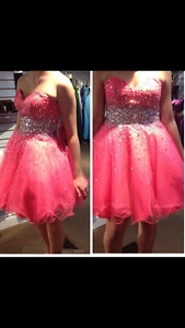 Beautiful Coral Prom Dress size 6- worn once (only few hours)