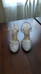 Le Chateau Silver Heels