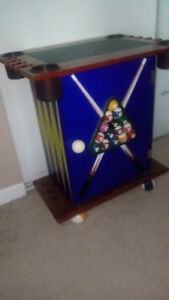 Pool cue rack table... (there are no accessories and I can not a
