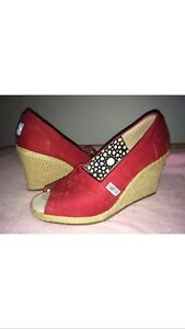 Red wedge toms size 6.5