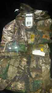 Carhart work camo and gloves