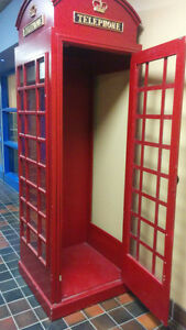 Replica Old English Phone Booth,