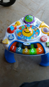 Music table toy