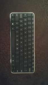 Bluetooth battery operated portable keyboard