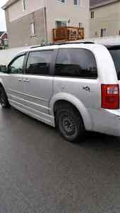 Dodge caravan 2010 van adapte