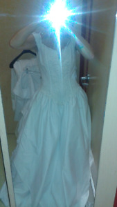 Size 12 spring/summer wedding dress long train
