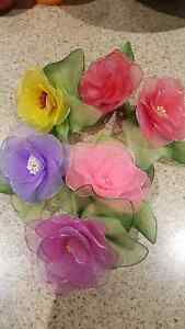 Brand new Hand made Nylon flower brooches with pin Kitchener / Waterloo Kitchener Area image 8
