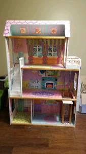 KidKraft Interactive Dollhouse with Lights, Doorbell & Elevator
