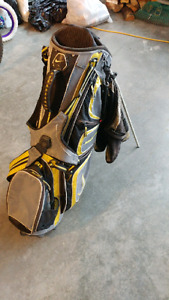 Golf bag + 2 nike drivers + Taylor made burner 5 wood