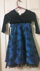 Christmas kids dress.  Size 3-4 Cambridge Kitchener Area image 2