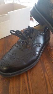 Ghillie brogues size 9 with heel clicker