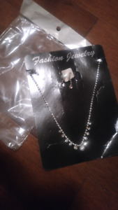 Set crystal necklace and earrings