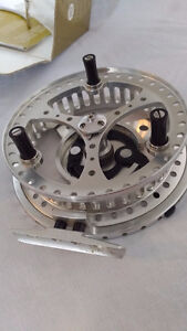 HARDY Conquest Floating reel 4/2 inch Kitchener / Waterloo Kitchener Area image 4