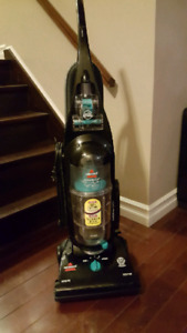 Bissell CleanView Helix Upright Bagless Vacuum