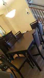 Dining room table and hutch Cambridge Kitchener Area image 2