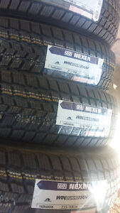 BRAND NEW WITH LABELS PERFORMANCE WINTER TIRE235/70/16 SET OF 4