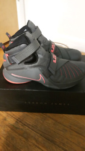 Lebron zoom soldier 9