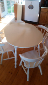 Kitchen table with 6 chairs $140