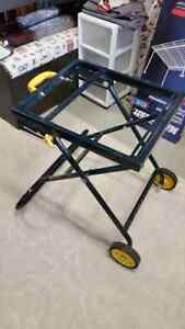 2 Folding 2 height tool stands