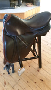 Stuebon Saddle