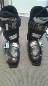 Ski Boots almost new!!!