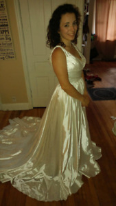 Size 8 Jade Daniel's Wedding Gown (never used)