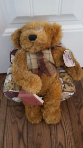 Hat box teddy bear