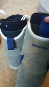 Snowboarding boots size 7 and 7.5