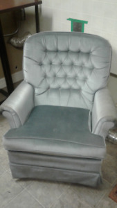 Blue Swivel Chair $35 Tax Inc Delivery Is Available