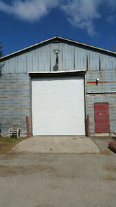 3200 square ft. Warehouse for lease in Hillsburgh