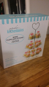 Wired cupcake stand