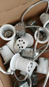 Lot de 18 Encastrés blancs avec projecteur et boîte de jonction