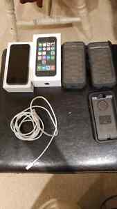 Telus iphone 5s with accessories