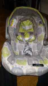 Graco Carseat + Base