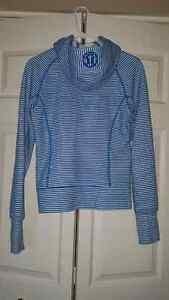 Lululemon Woman's Sweater Cambridge Kitchener Area image 3