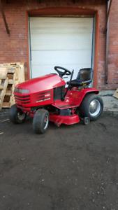 Toro Wheel Horse Lawn Tractor 266-4