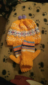 Hand knitted toddler hat & matching mittens