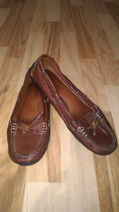 10 pairs size 7 women's shoes ,$5 a pair
