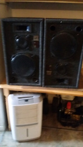 Looking to sell a pairs of speakers