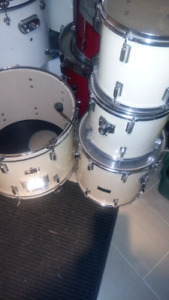 Pearl Forum drums