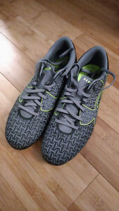 """Under armour soccer cleats 9.5"""" used twice, pristine condition!"""