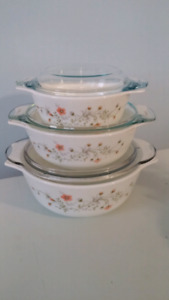 Pyrex England 6 pc casserole set