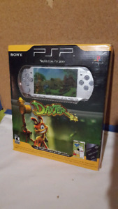 Collectible psp daxter complete in very good condition