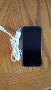 iPhone 5S *Unlocked* 16GB (Space Grey)