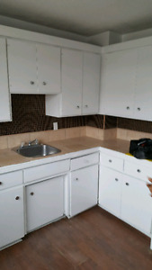 Renovated 3 bedroom townhouses, $925.00
