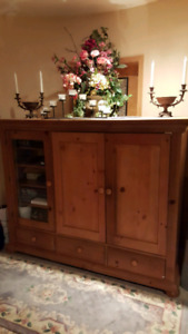 Beautiful Solid Pine  - TV & Entertainment Unit -