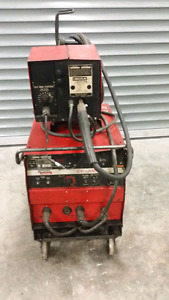 NEED GONE!! Lincoln electric CV 300 welder